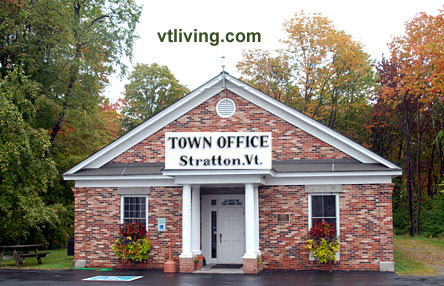stratton-town-offices2009