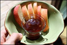 apples and caramel sauce, Vermont sundae sauce company
